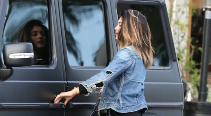 Kylie Jenner/Kardashian Out in Her All-Black Matte G-Wagon ...