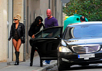 From left to right: Lady Gaga and a Mercedes S-Klasse