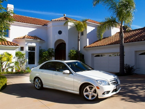 Laguna Niguel Luxury Home Comes With 2011 Mercedes C300 Autoevolution