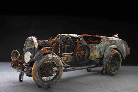 Bugatti found in lake