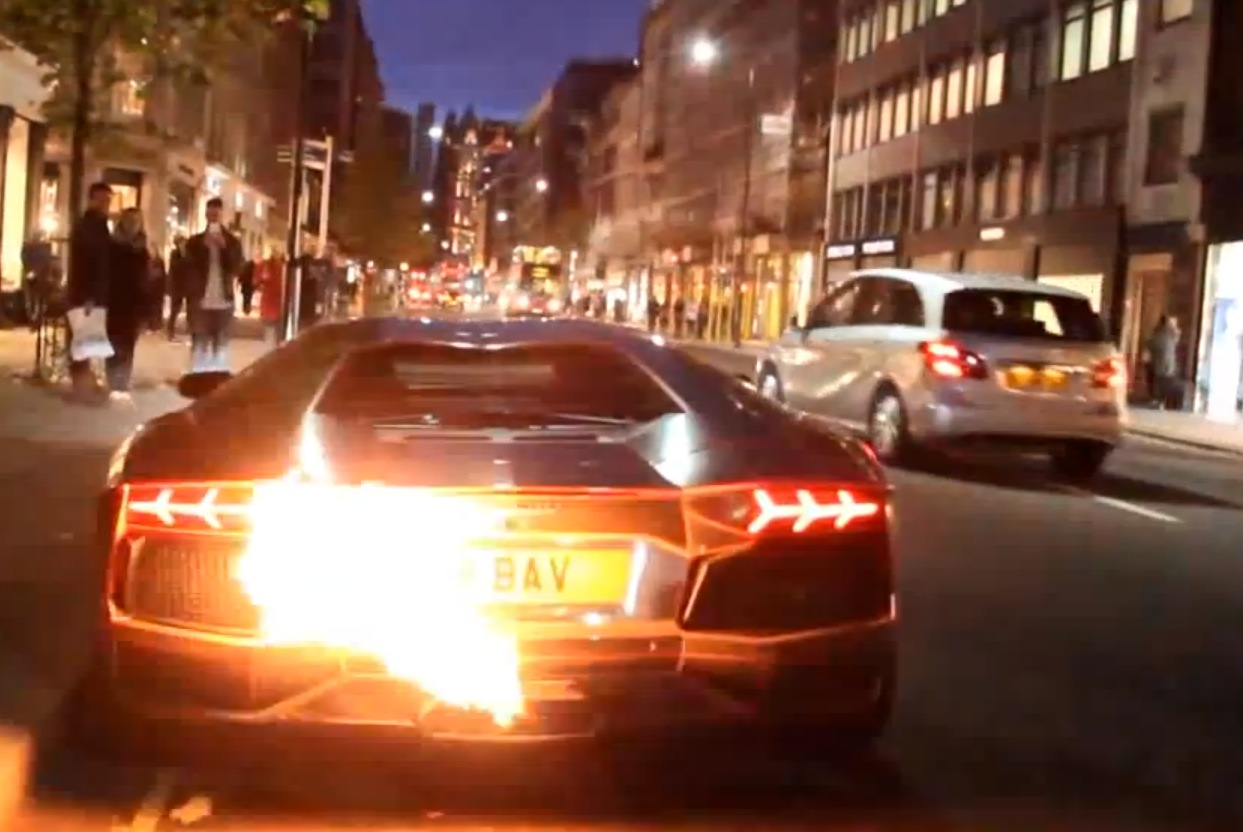 Lamborghini Aventador Exhaust Spits Flames Sets Car On Fire In London Autoevolution