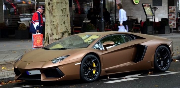 Lamborghini Aventador in Matte Brown Looks like Chocolate