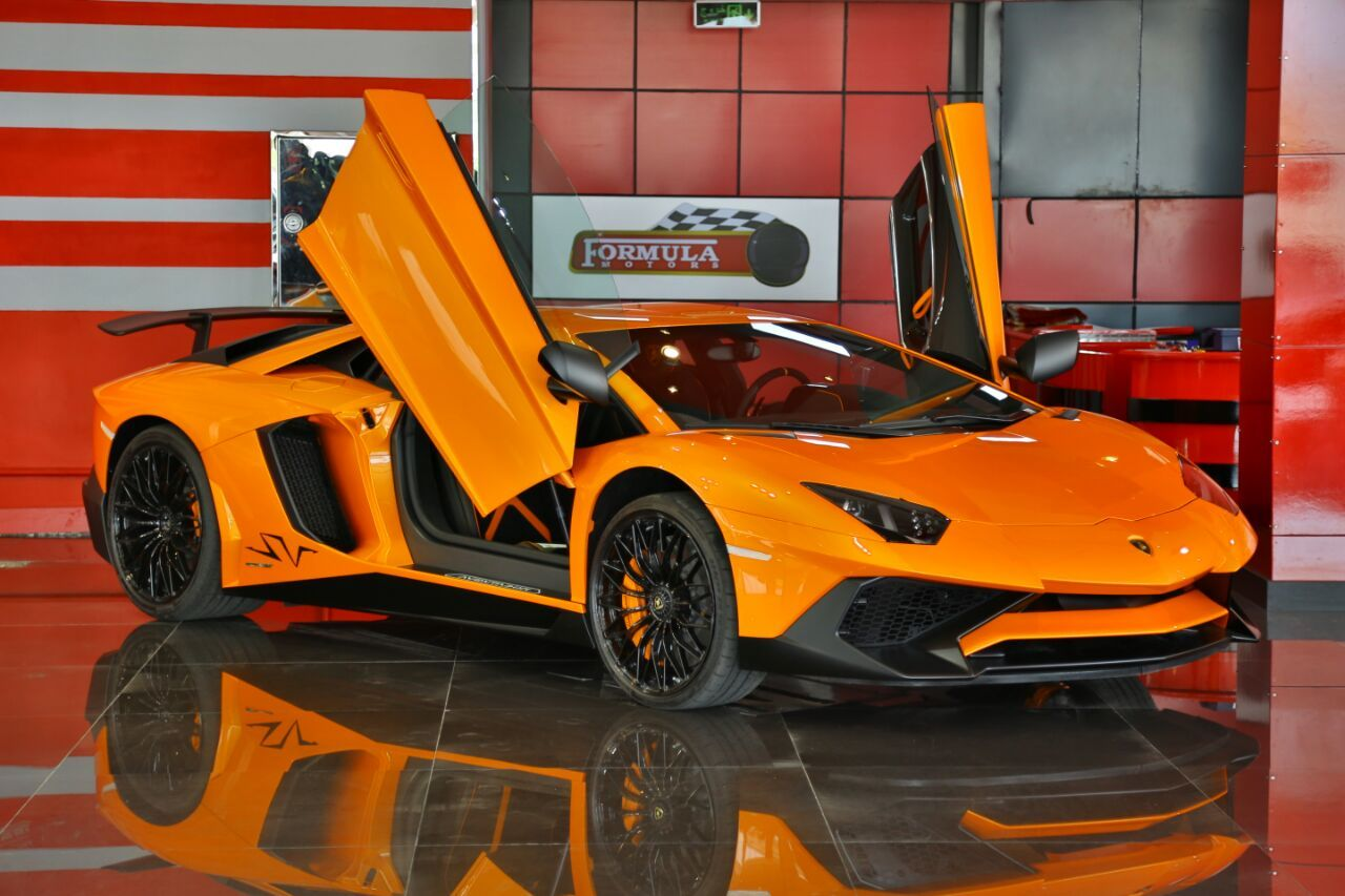 How much is a lamborghini in dubai