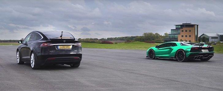 Lamborghini Aventador S Smashes Tesla Model X in Drag Race