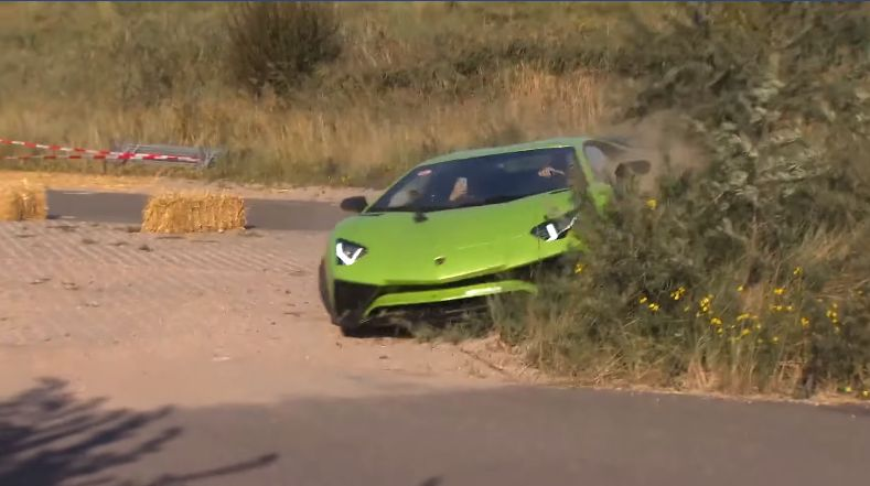 "Lamborghini Aventador SV Has ""Offroad"" Crash, Driver Keeps Going"