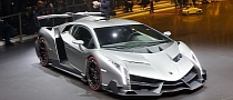Lamborghini Confirms Veneno Roadster