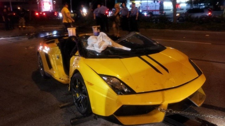 Lamborghini Gallardo LP570-4 Spyder Performante Crashed