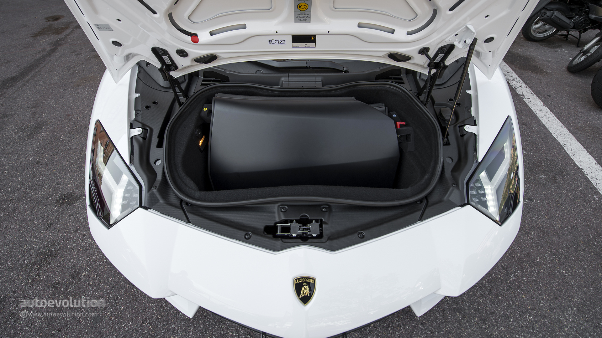 Lamborghini Headquarters Raided By Prosecutors Managers Investigated As Part Of Dieselgate