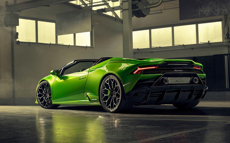 Lamborghini Huracan Evo Spyder Storms In Has No Secrets Autoevolution