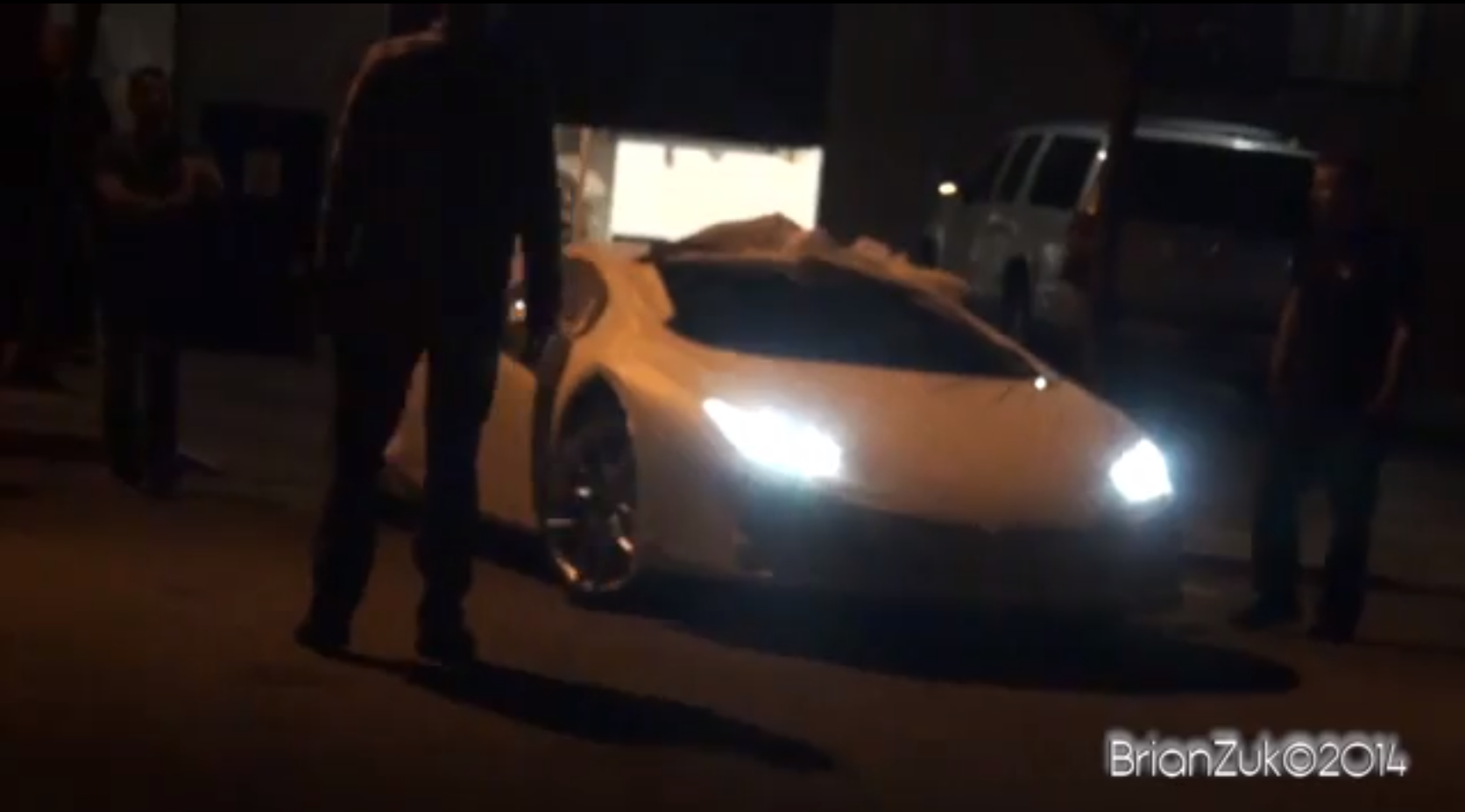 lamborghini huracan filmed during transportation in us video autoevolution. Black Bedroom Furniture Sets. Home Design Ideas