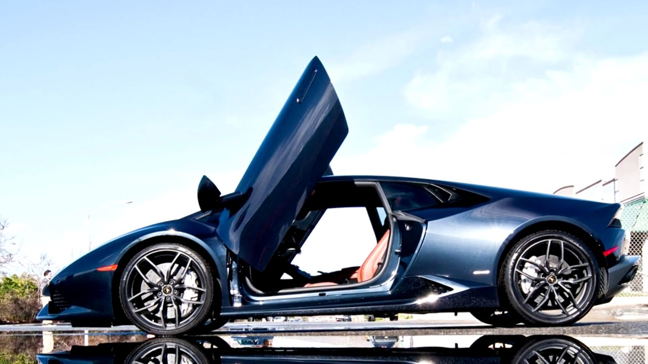 Lamborghini Huracan Finally Gets Lambo Vertical Doors Autoevolution