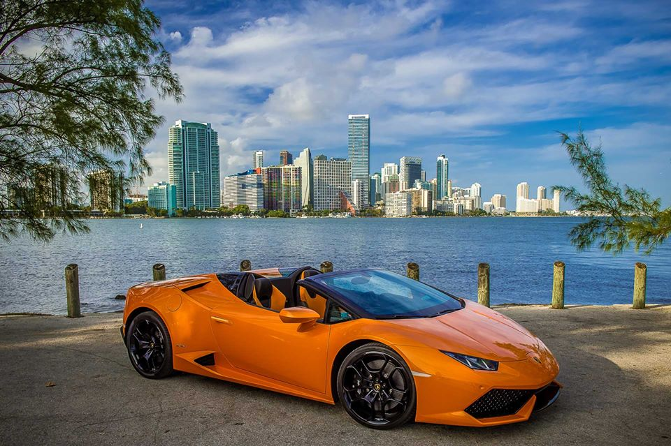 lamborghini huracan spyder hits miami why it can one up. Black Bedroom Furniture Sets. Home Design Ideas