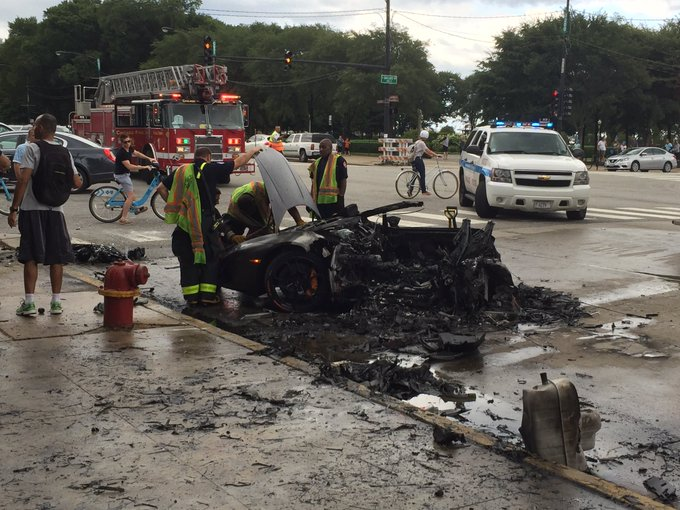 Lamborghini Huracan Split In Two After Crash In Chicago