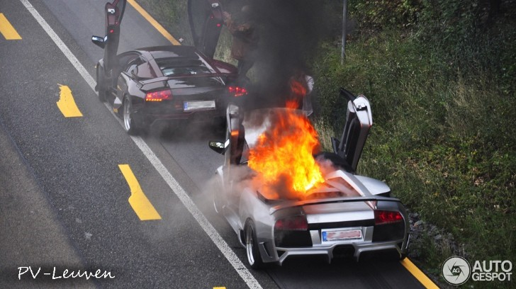 Lamborghini Murcielago Roadster Burns on German Autobahn [Photo Gallery]