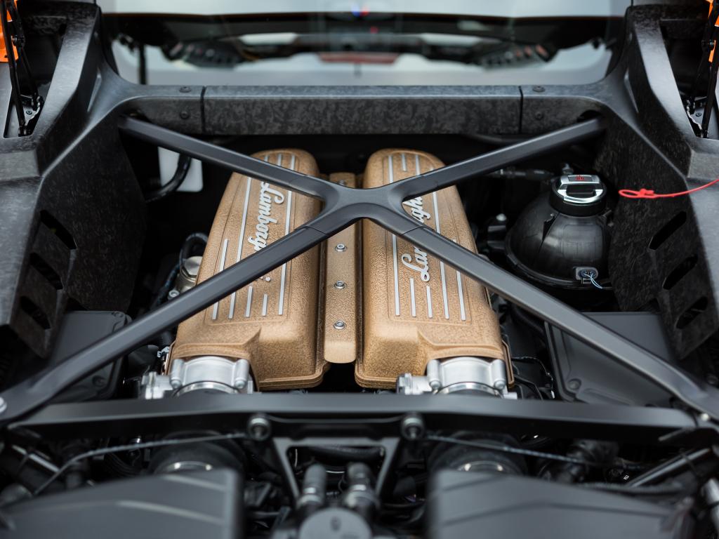 Lamborghini V10 V12 Engines Will Survive Thanks To Hybrid