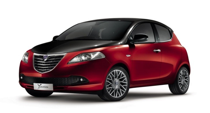 Lancia Ypsilon Black&Red Revealed, to Debut in Bologna