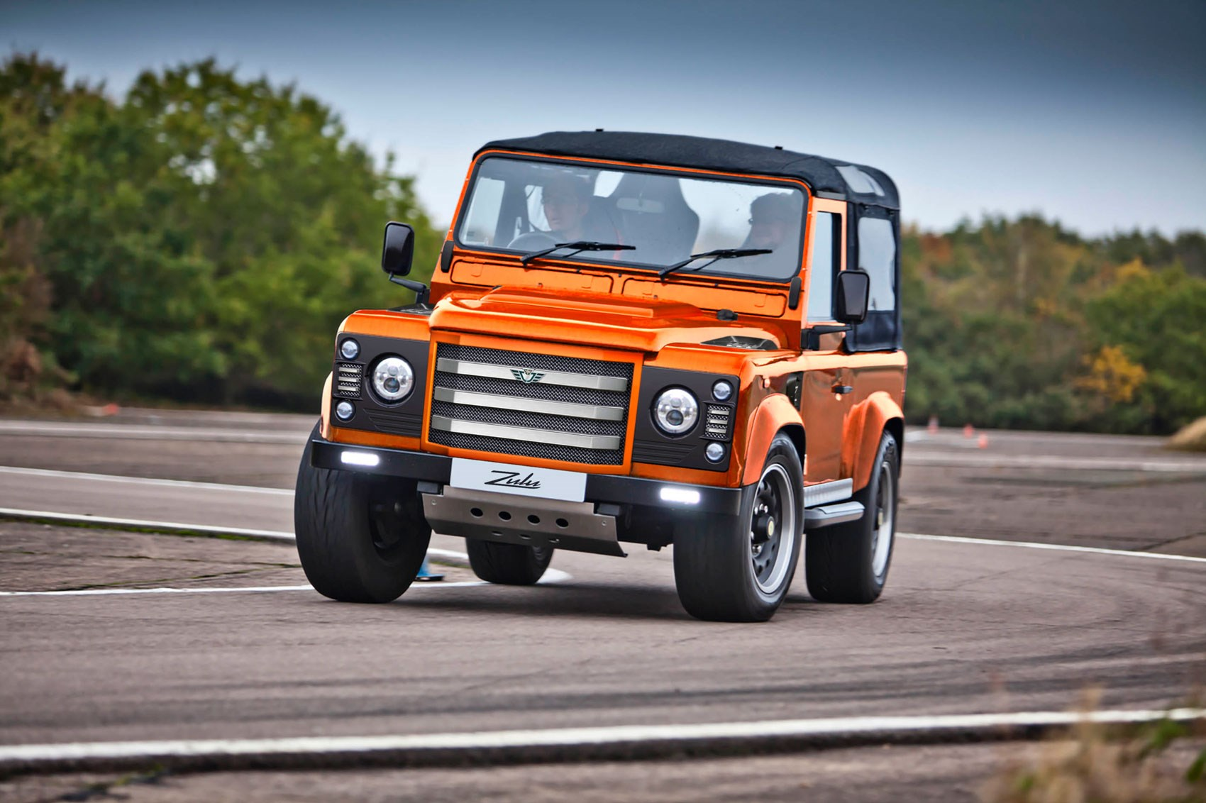 Land Rover Defender Won't Die without a Fight, Gets 481 HP ...