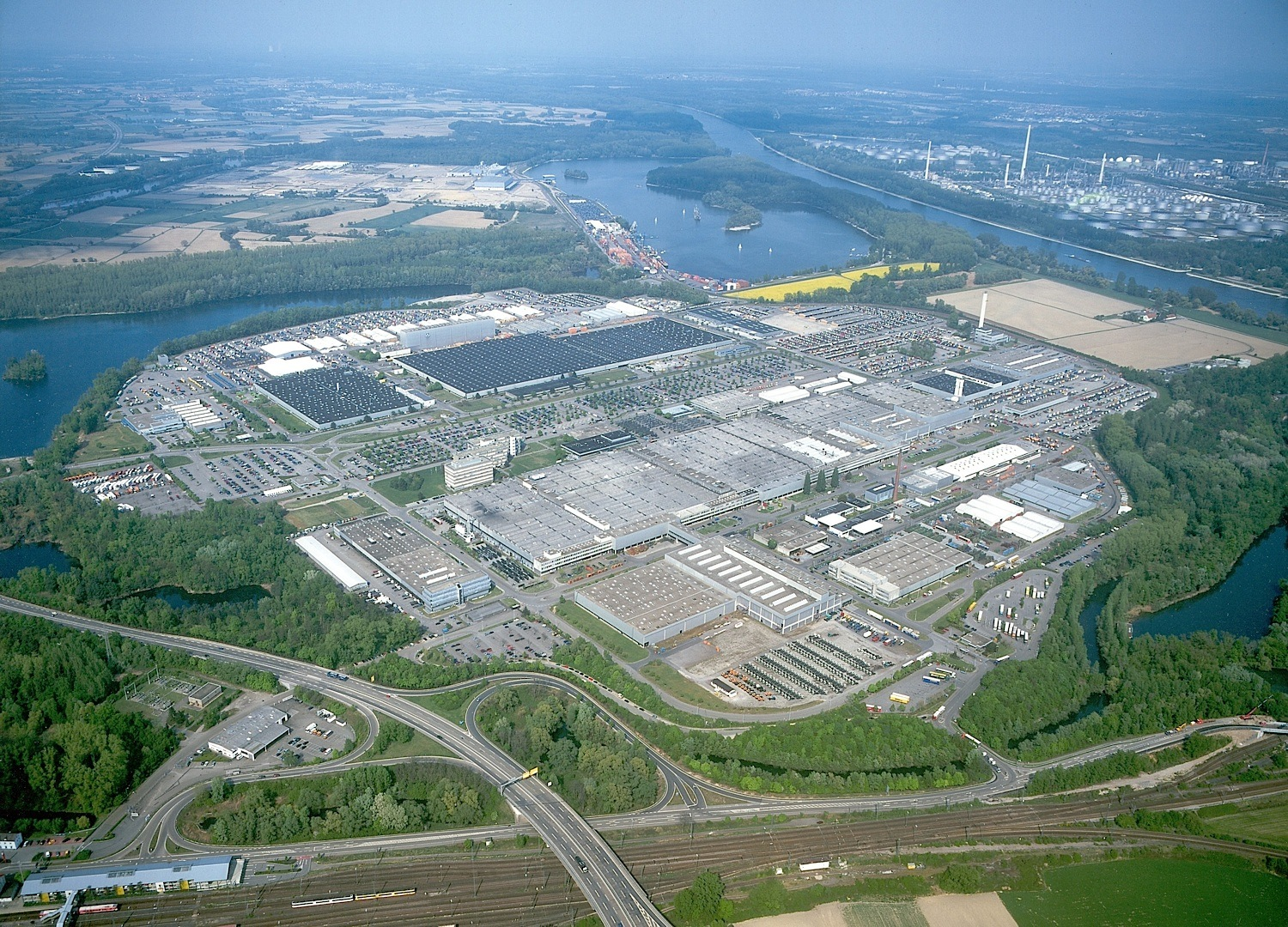 Largest truck factory in the world celebrates 50 years for Biggest mercedes benz