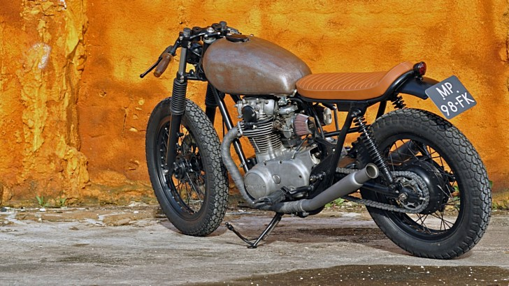 Left Hand Cycles Destroys Yamaha XS650 to Create the Acid King