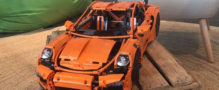 lego technic porsche 911 gt3 rs walkaround video shows the delicious details autoevolution. Black Bedroom Furniture Sets. Home Design Ideas