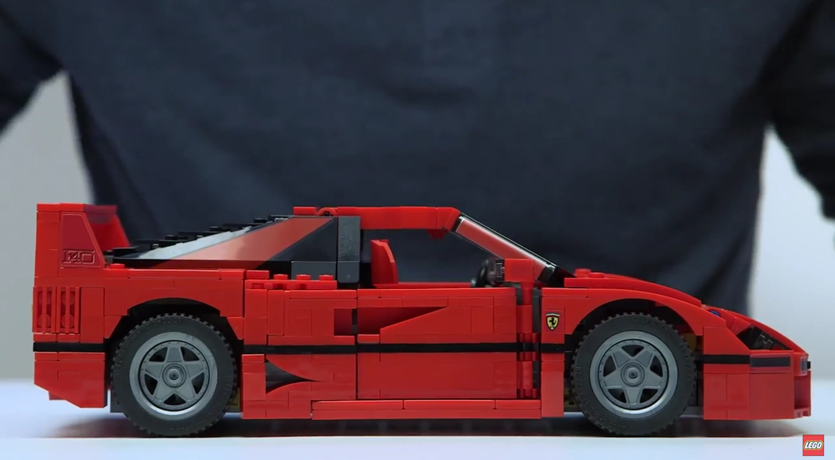 lego unveils new ferrari f40 comes with detachable engine autoevolution. Black Bedroom Furniture Sets. Home Design Ideas