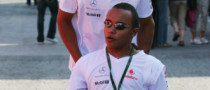 Lewis Hamilton's Brother to Make Motor Racing Debut in 2011