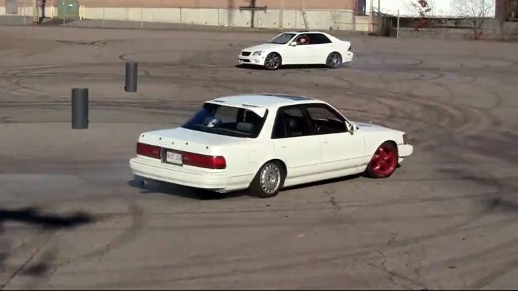 Lexus Is And Toyota Cressida Having A Backyard Doughnut Session Video on toyota cressida drift car