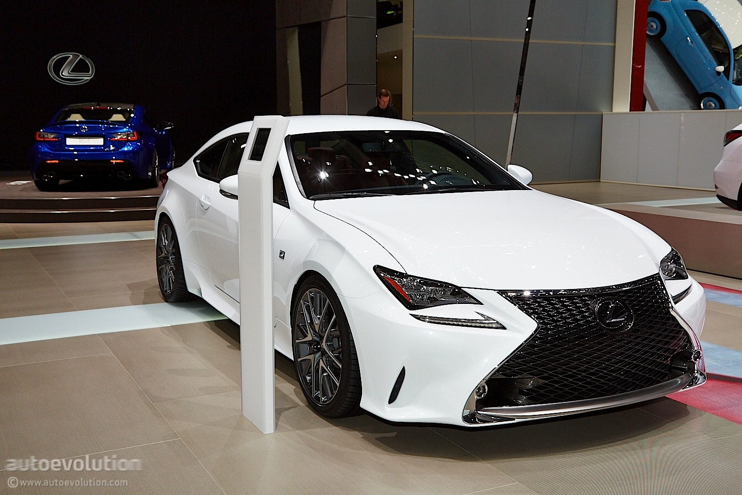lexus rc 350 f sport steers its way into geneva live. Black Bedroom Furniture Sets. Home Design Ideas