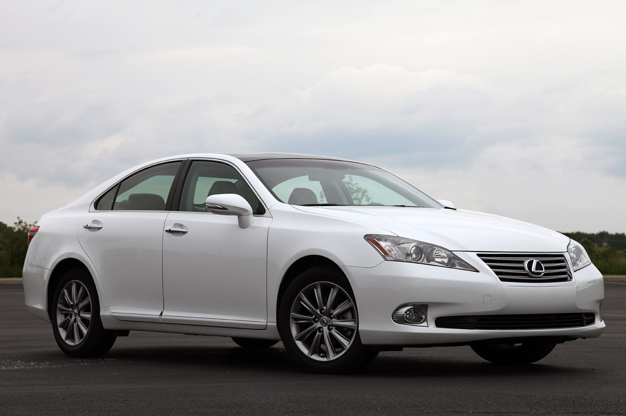 Lexus es hybrid on the way