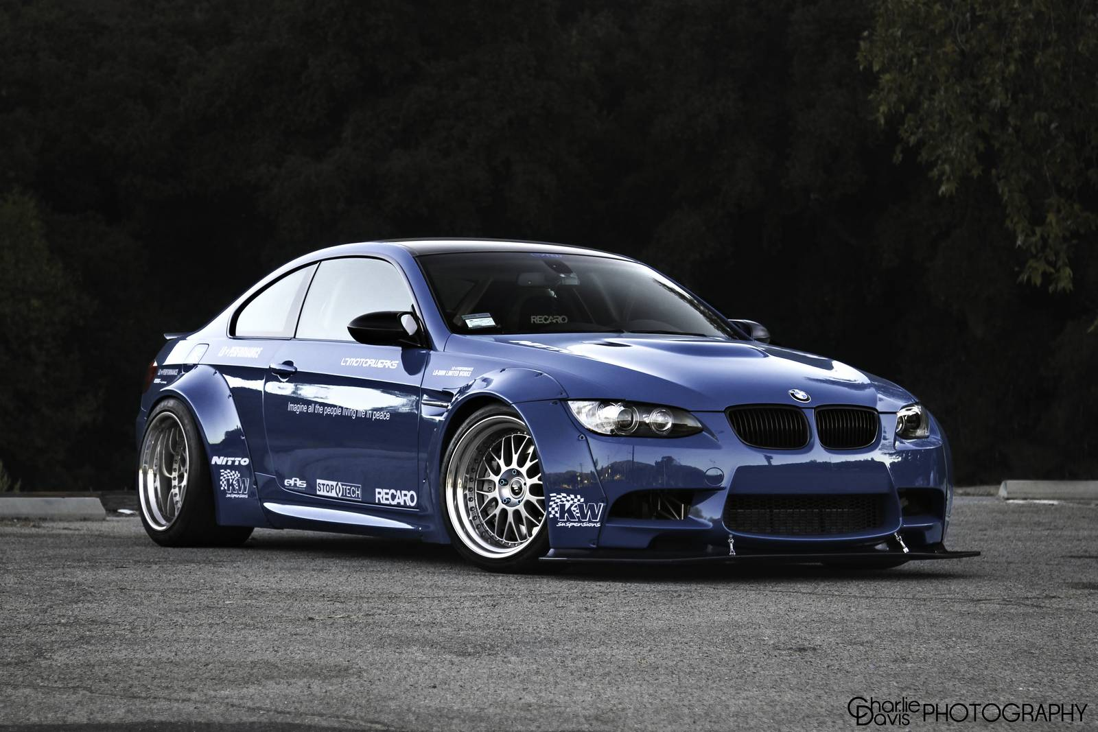liberty walk bmw e92 m3 is more than powerful autoevolution. Black Bedroom Furniture Sets. Home Design Ideas