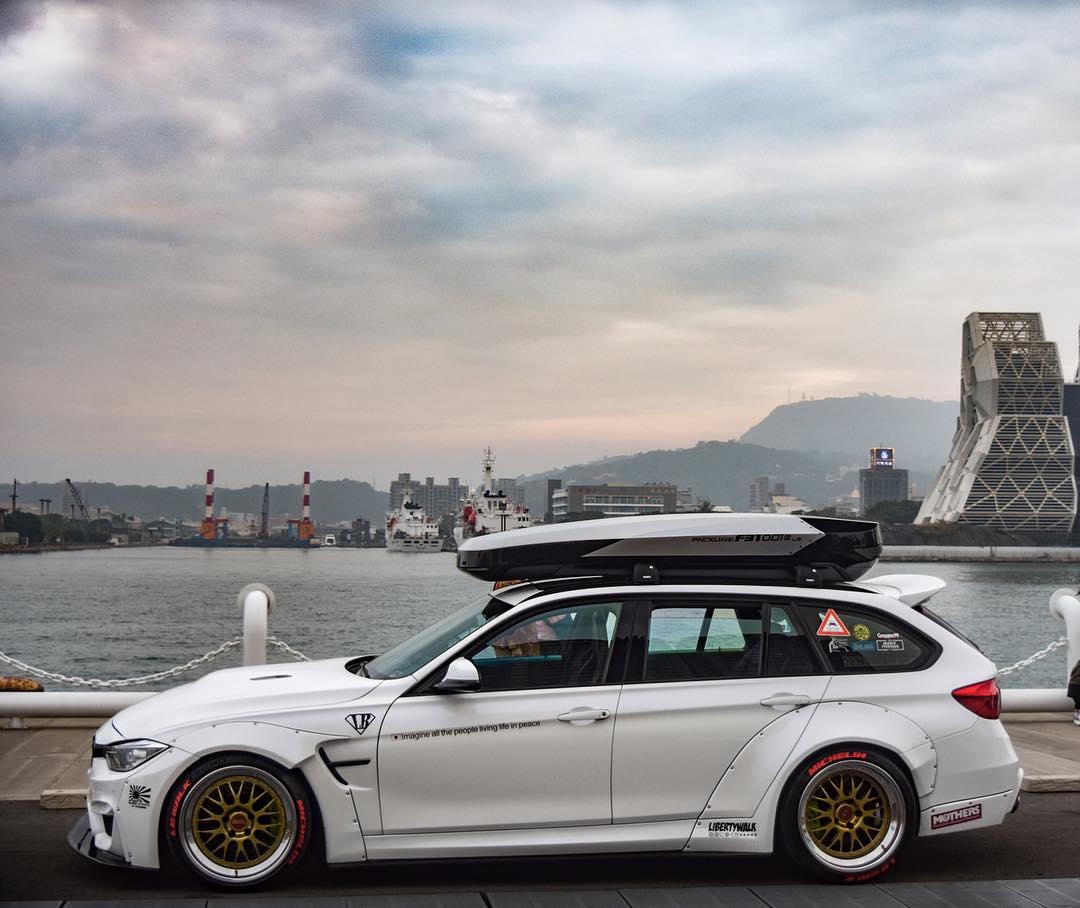 Liberty Walk F31 Bmw 3 Series Wagon Is A Cool Low Rider Autoevolution