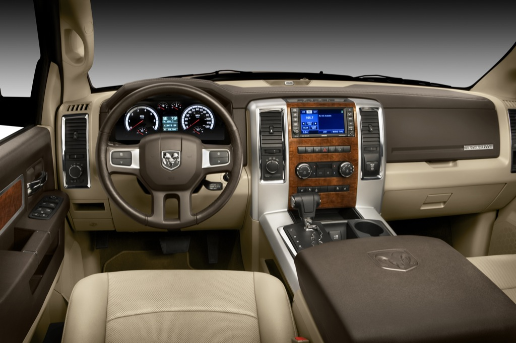 2009 Dodge Ram 1500 Laramie, Interior