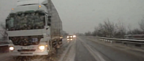 Like a Russian Boss: Almost Crashes, Overtakes in Reverse [Video]