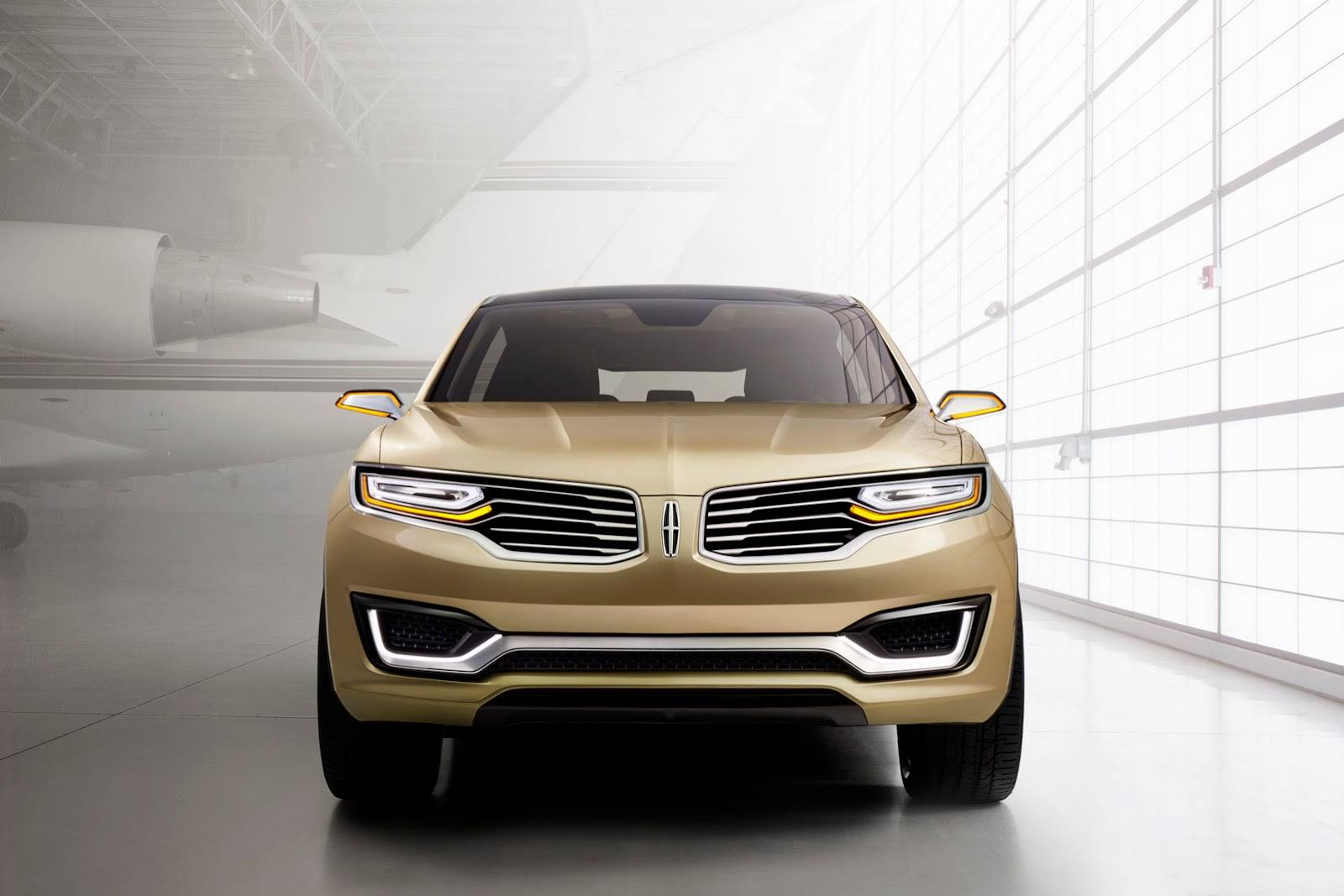 https://s1.cdn.autoevolution.com/images/news/lincoln-mkx-concept-exposed-at-2014-beijing-auto-show-video-photo-gallery-80269_1.jpg