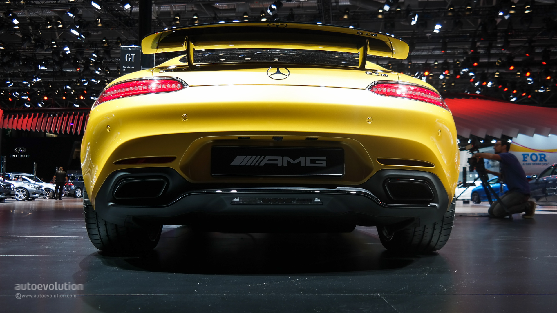 Listen to the Mercedes-AMG GT S Backfiring Like Hell: Exhaust Sound