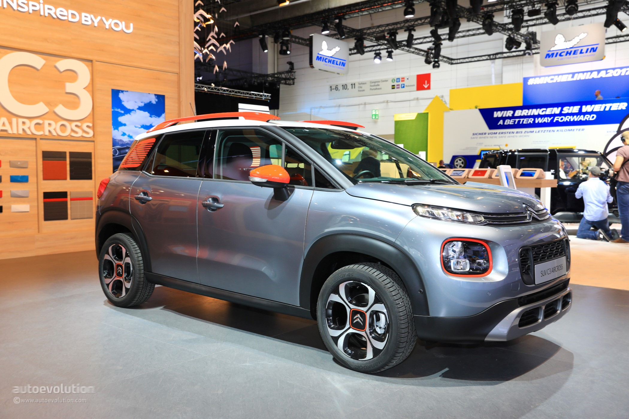 2018 citroen c3 aircross makes mpvs look obsolete at frankfurt autoevolution. Black Bedroom Furniture Sets. Home Design Ideas