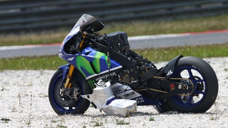 Lorenzo Utterly Destroys His Bike in a Crash during Michelin Tests, Many Others Fall, Too ...