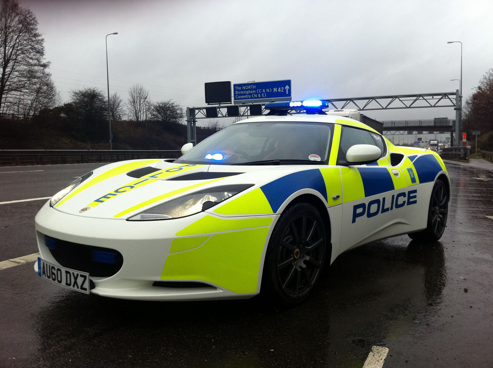 Картинки по запросу Lotus Exige Cruiser police Great Britain