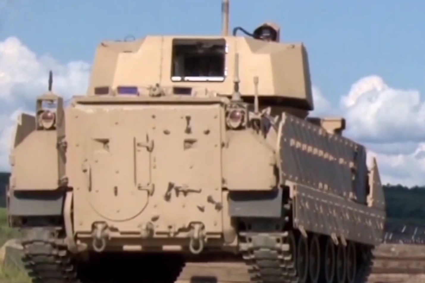M2 Bradley Armored Fighting Vehicle Gets New Xm813 30mm
