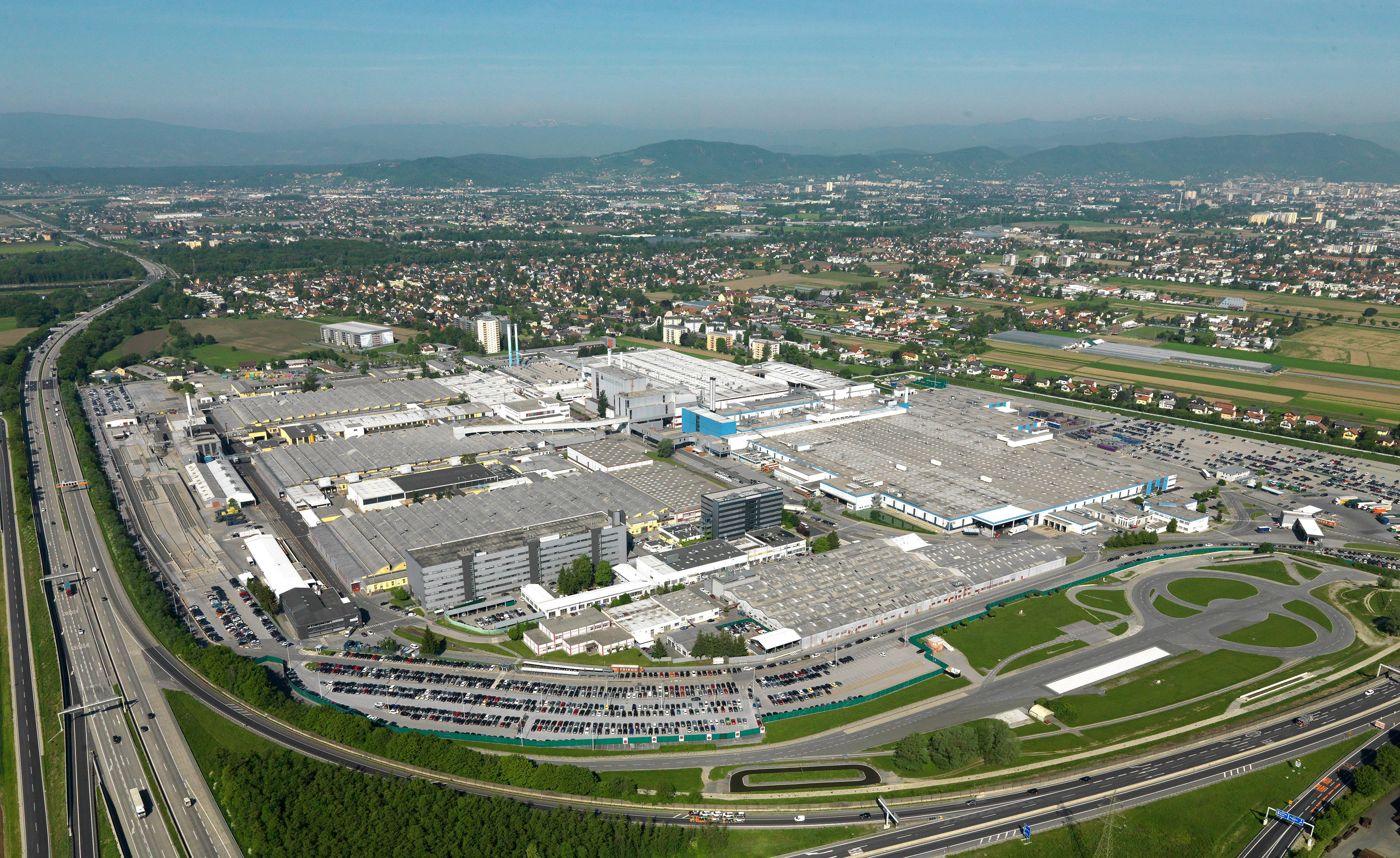 Magna Steyr Will Build Cars For Bmw Toyota Jaguar And