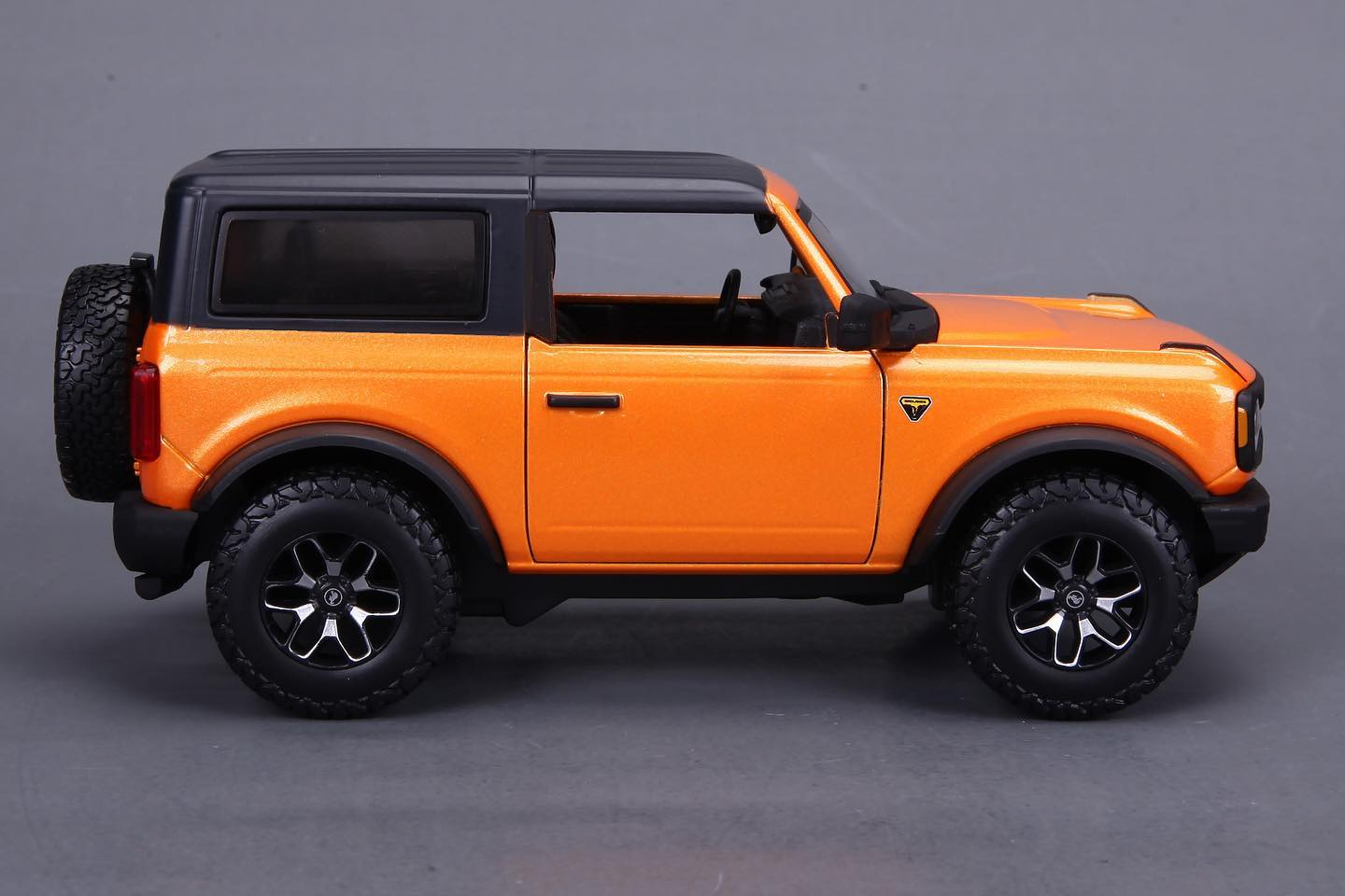 Maisto Teases Area 51 and Cyber Orange 2021 Ford Broncos ...