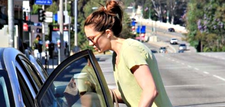 Mandy Moore Gets Coffee in Her Prius