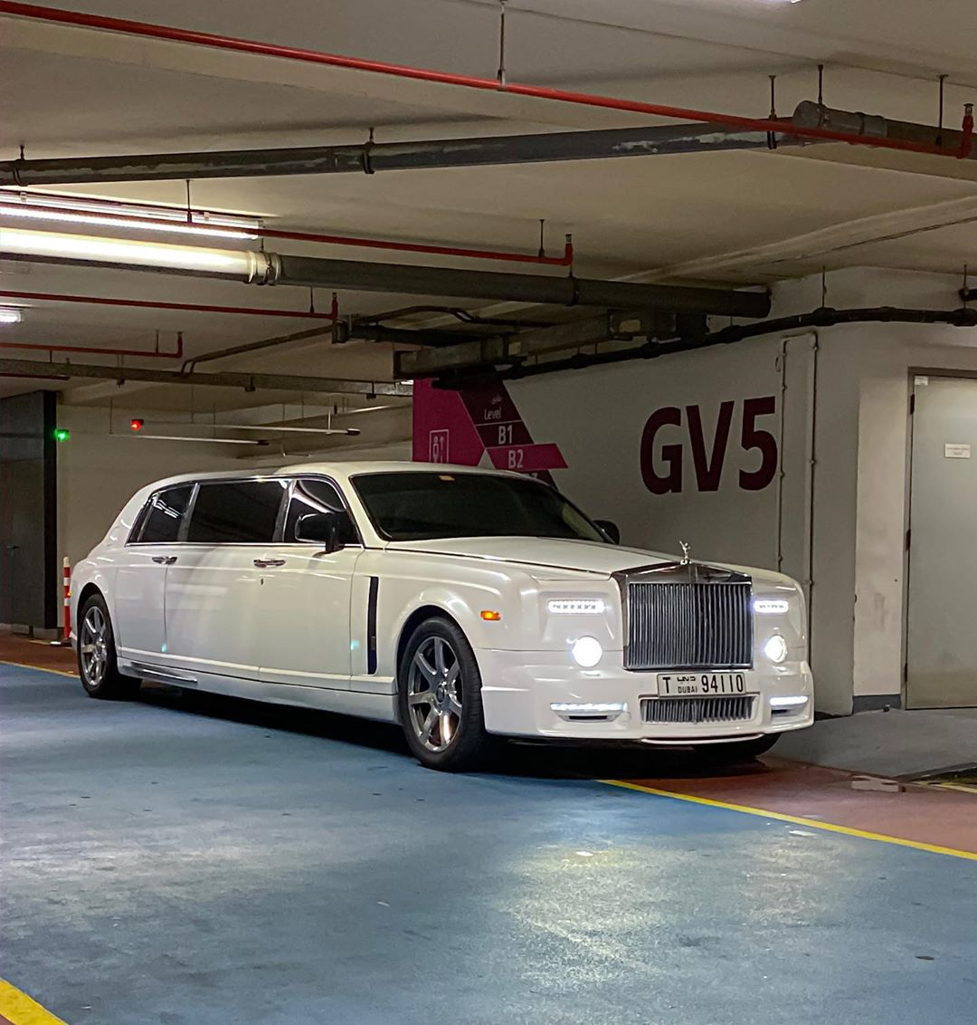 Rolls Royce Limo >> Mansory Rolls Royce Phantom Stretch Limo Is The Real Deal