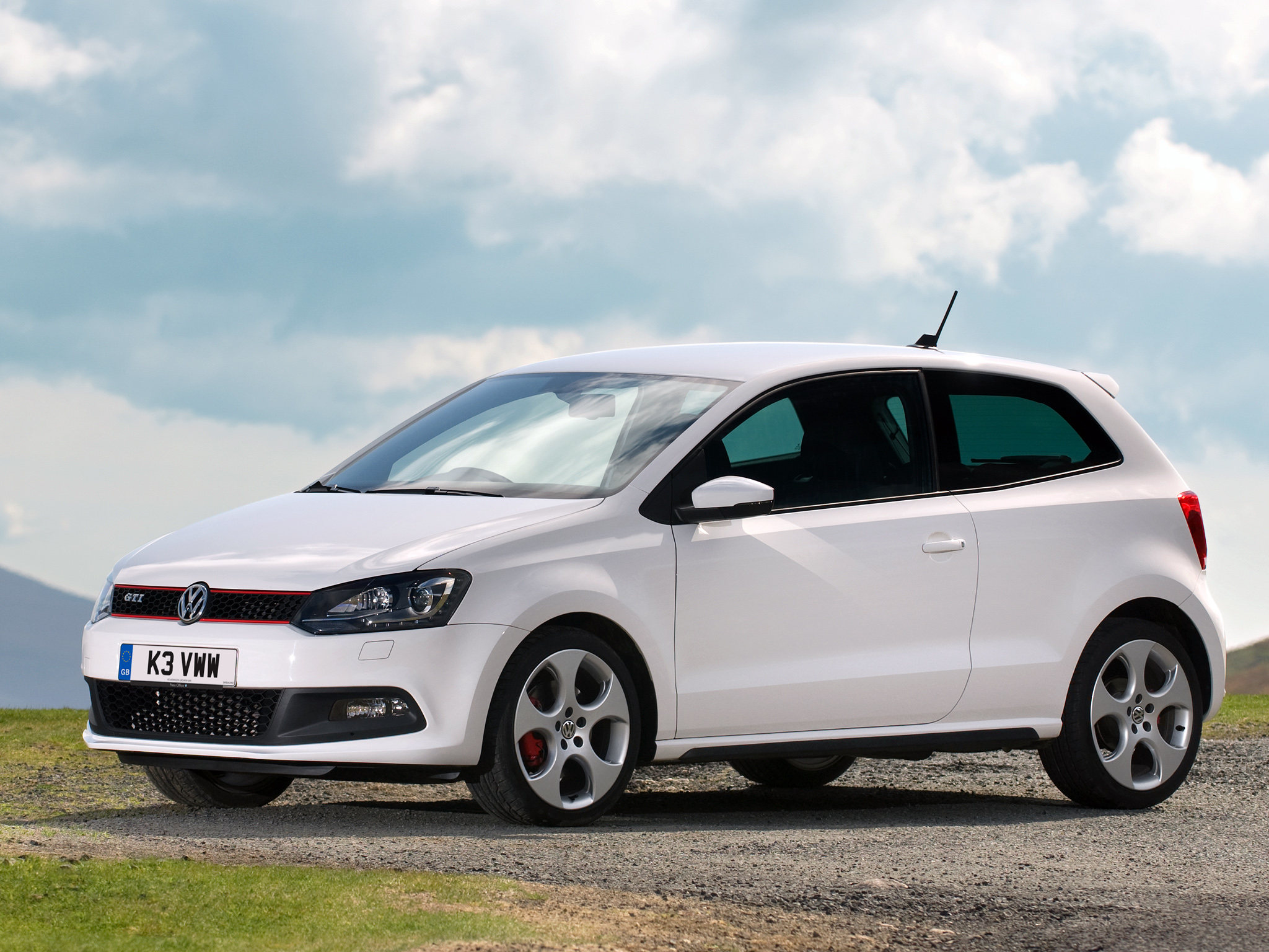 manual transmission will make the 2015 polo gti a cheaper driver 39 s car autoevolution. Black Bedroom Furniture Sets. Home Design Ideas