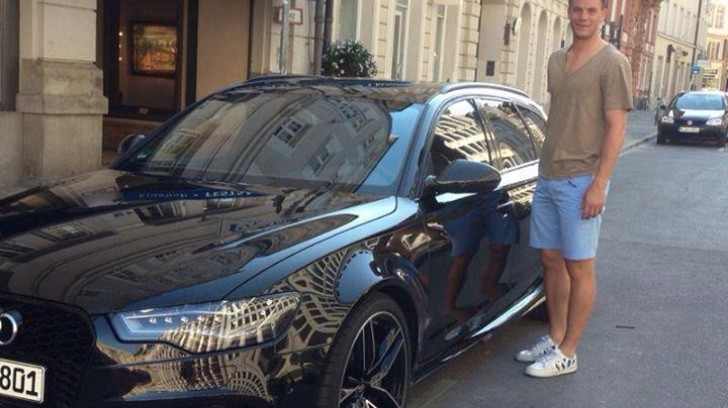 photo of Manuel Neuer 560 HP Audi RS6 - car