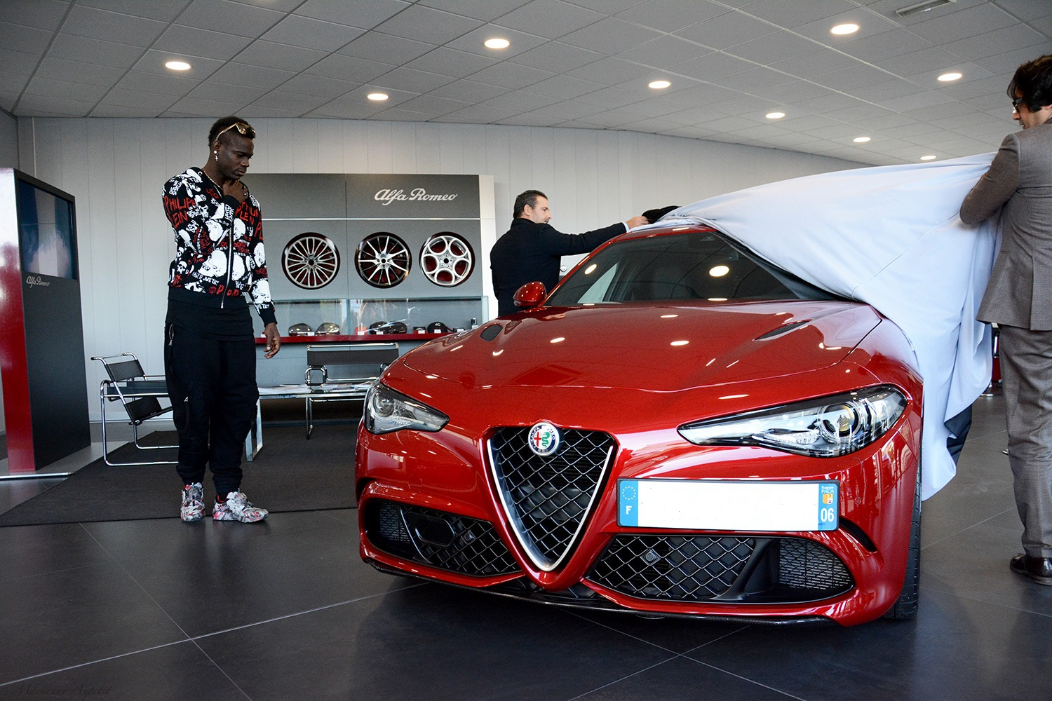 Mario Balotelli Buys An Alfa Romeo Giulia Quadrifoglio Autoevolution Rear Axle 3 Photos