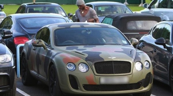 mario-balotellis-camouflaged-bentley-is-