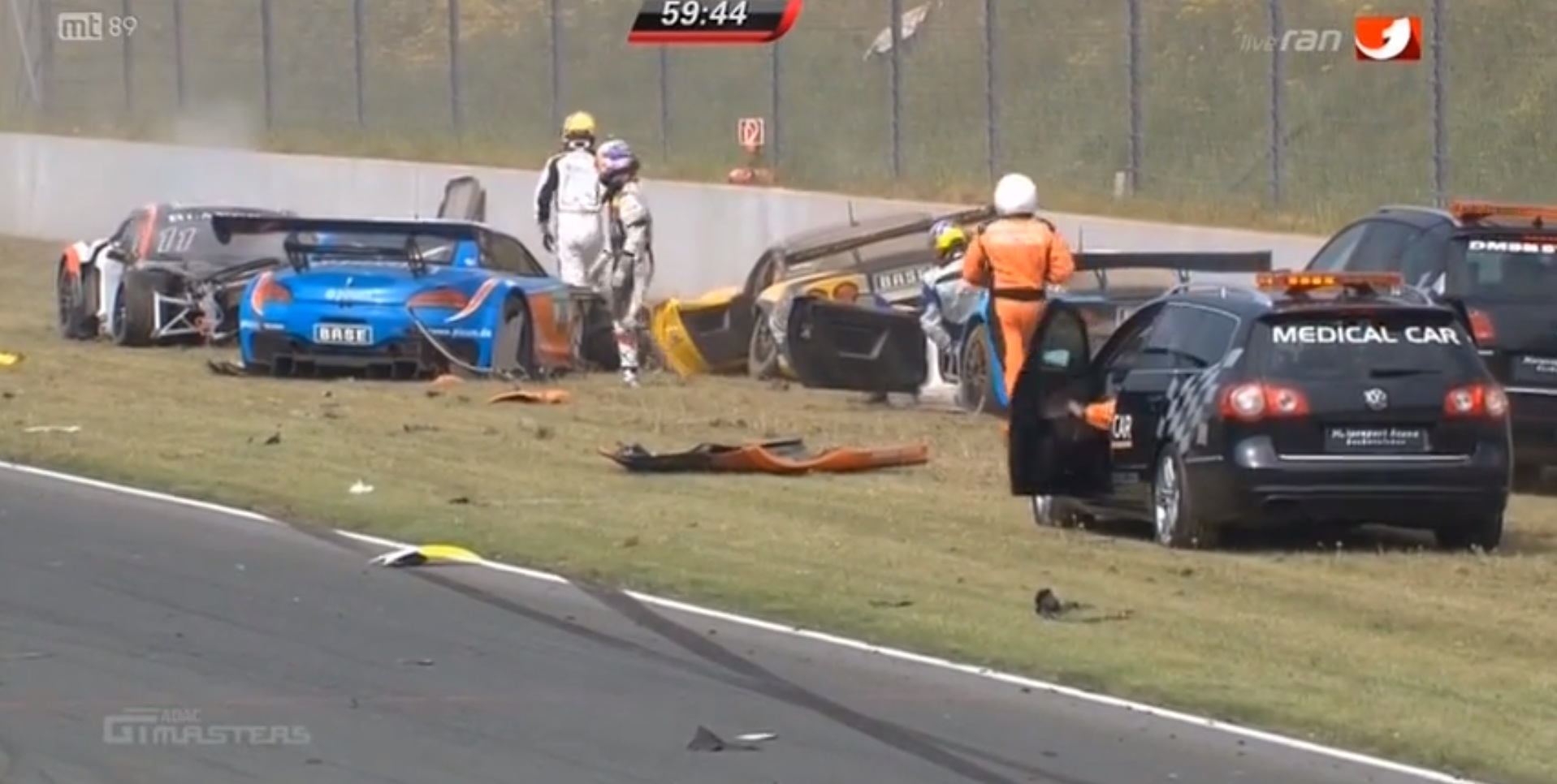 Massive Crash Destroys 6 Cars In Adac Gt Masters Race