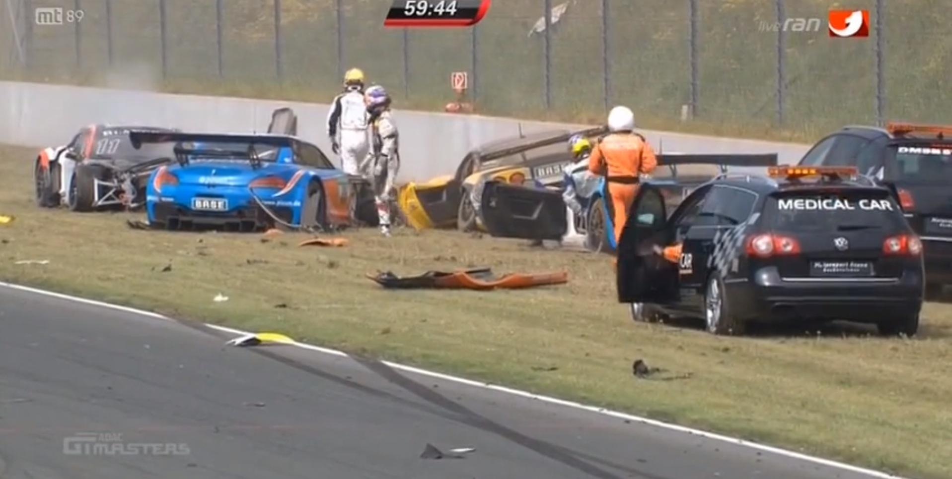 Massive Crash Destroys 6 Cars in ADAC GT Masters Race - autoevolution