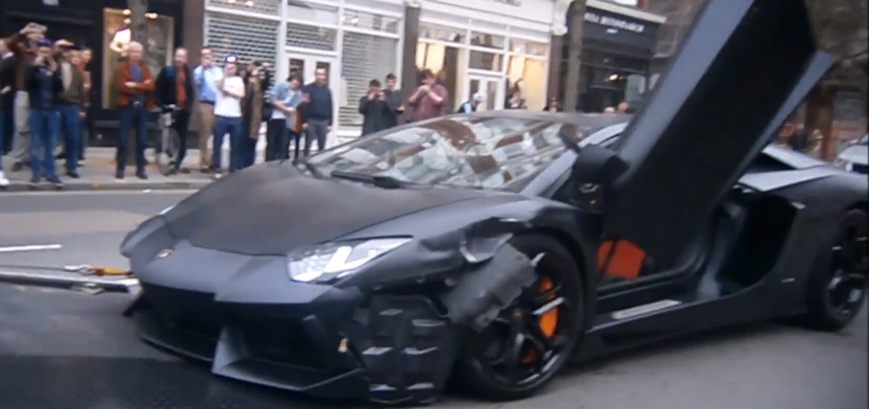 matte black lamborghini aventador crashed in london - autoevolution